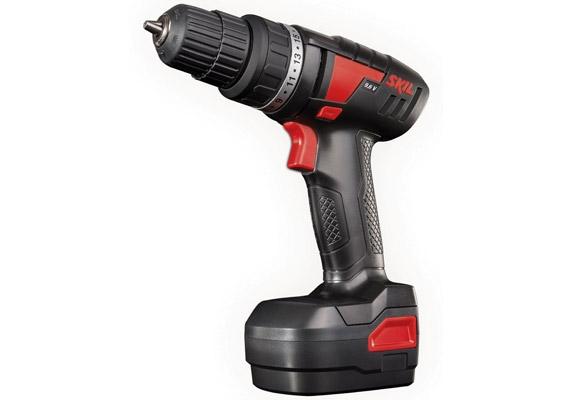 1036718 - Furadeira / Parafusadeira Bosch 9,6 SKIL F0122212JA 220V