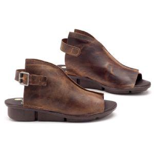Rasteira Flat em couro marrom 140001