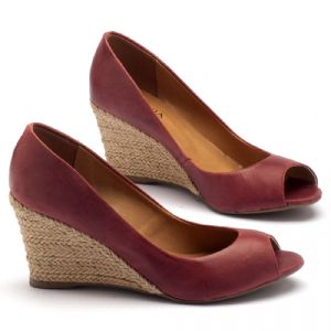 Peep Toe Salto Medio de 8cm em couro vermelho 9380
