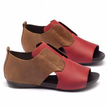 Rasteira Flat em couro vermelho e marrom 137048