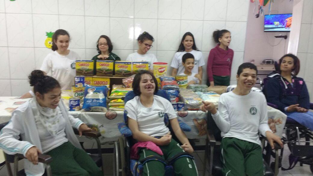 Campanha Lar Sem Fome doa 200Kg de Alimento para a ONG C.R.I.S.T.O.