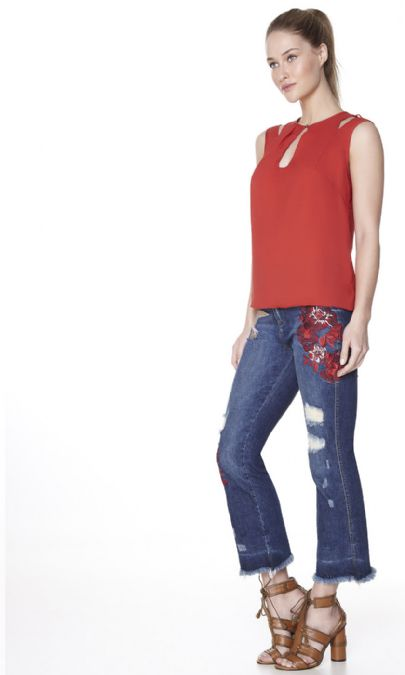 CALCA JEANS CROPPED BORDADO FLOWER