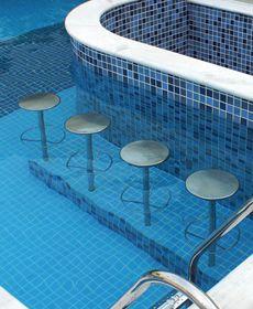 Banco em aço inox para piscina