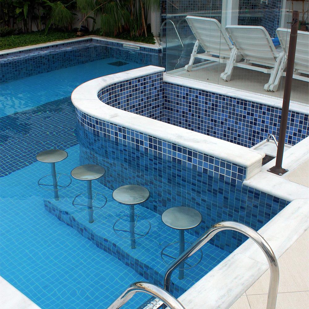 Banco em a o inox para piscina sodramar for Piscina villares de la reina