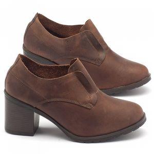 Sapato Fechado Estilo Boho-Chic com salto de 6cm em couro caramelo - Código - 137041