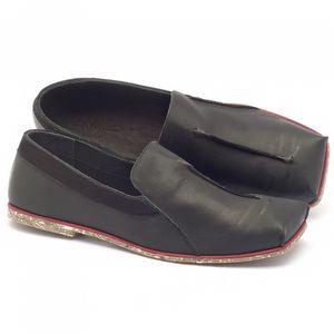Sapato Fechado Estilo Boho-Chic em couro preto - Código - 145003