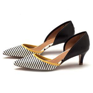Scarpin Chiquérrimo Salto Médio de 5 cm preto branco e amarelo 3401