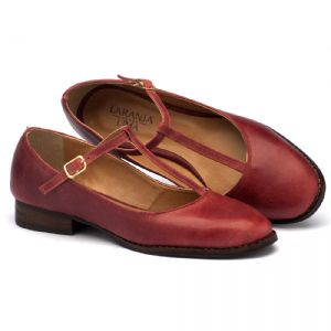 Sapato Fechado Modelo com salto de 2cm em couro vermelho 9376