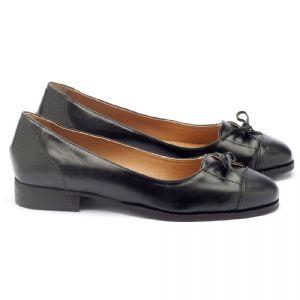 Sapato Fechado Modelo Clássico em couro preto Código - 9375