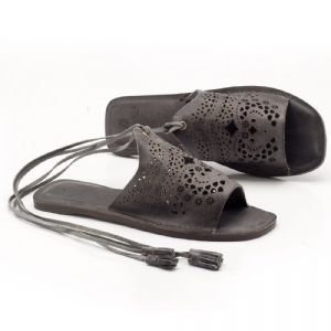 Rasteira Flat cinza em couro 137020