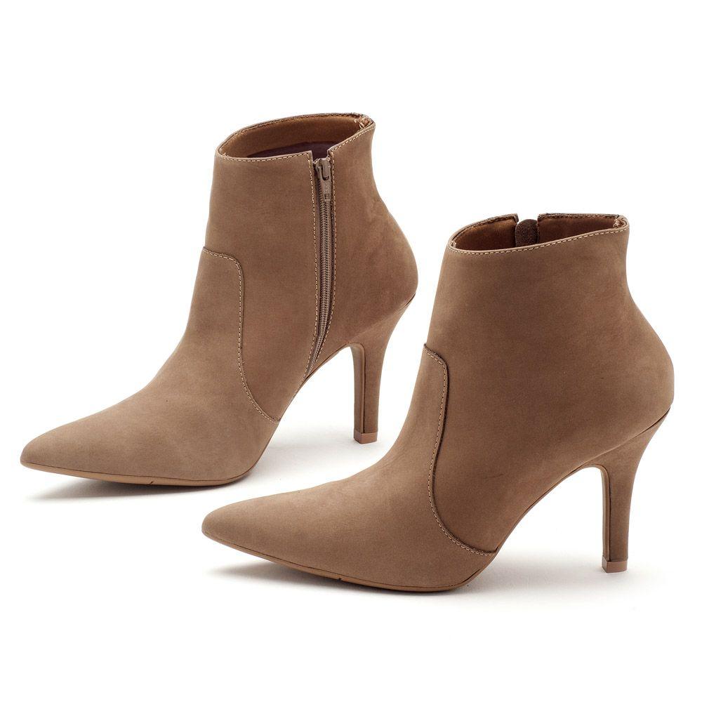 99227f29d Bota Cano Curto Fendi Salto de 9cm 102105 | Laranja Lima Shoes