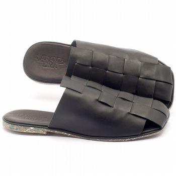 Rasteira Flat em couro preto - Código - 145027
