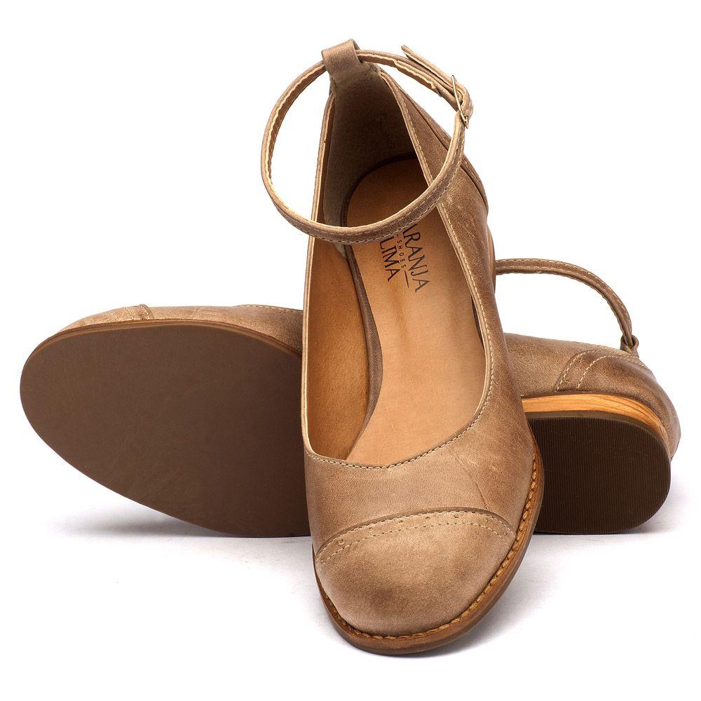 7af885e9f2 Sapato Fechado Modelo em couro taupe 9379   Laranja Lima Shoes