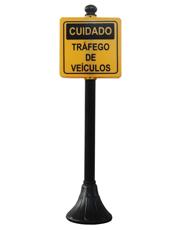 Pedestal Personalizado Preto 95cm - Cuidado Trafego de Veículos
