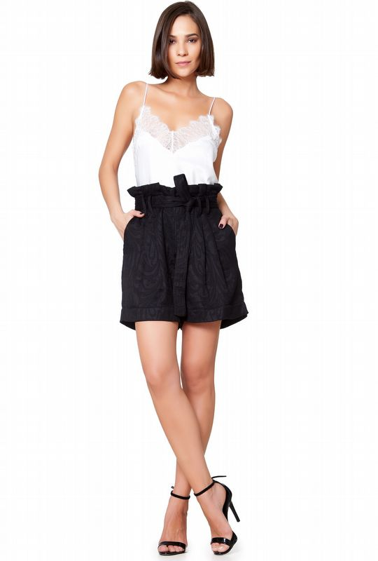 SHORTS CLOCHARD PRETO